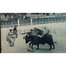 ANTIGUA POSTAL TAUROMAQUIA UN TORO DE PODER BULLFIGHING BULLS REJONEADOR CC03822